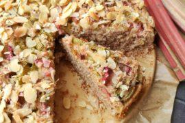 dietetyczne pełnoziarniste ciasto z rabarbarem bez cukru