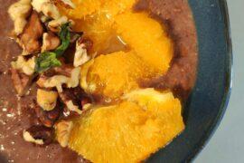 owsianka kakaowa z karmelizowaną pomarańczą